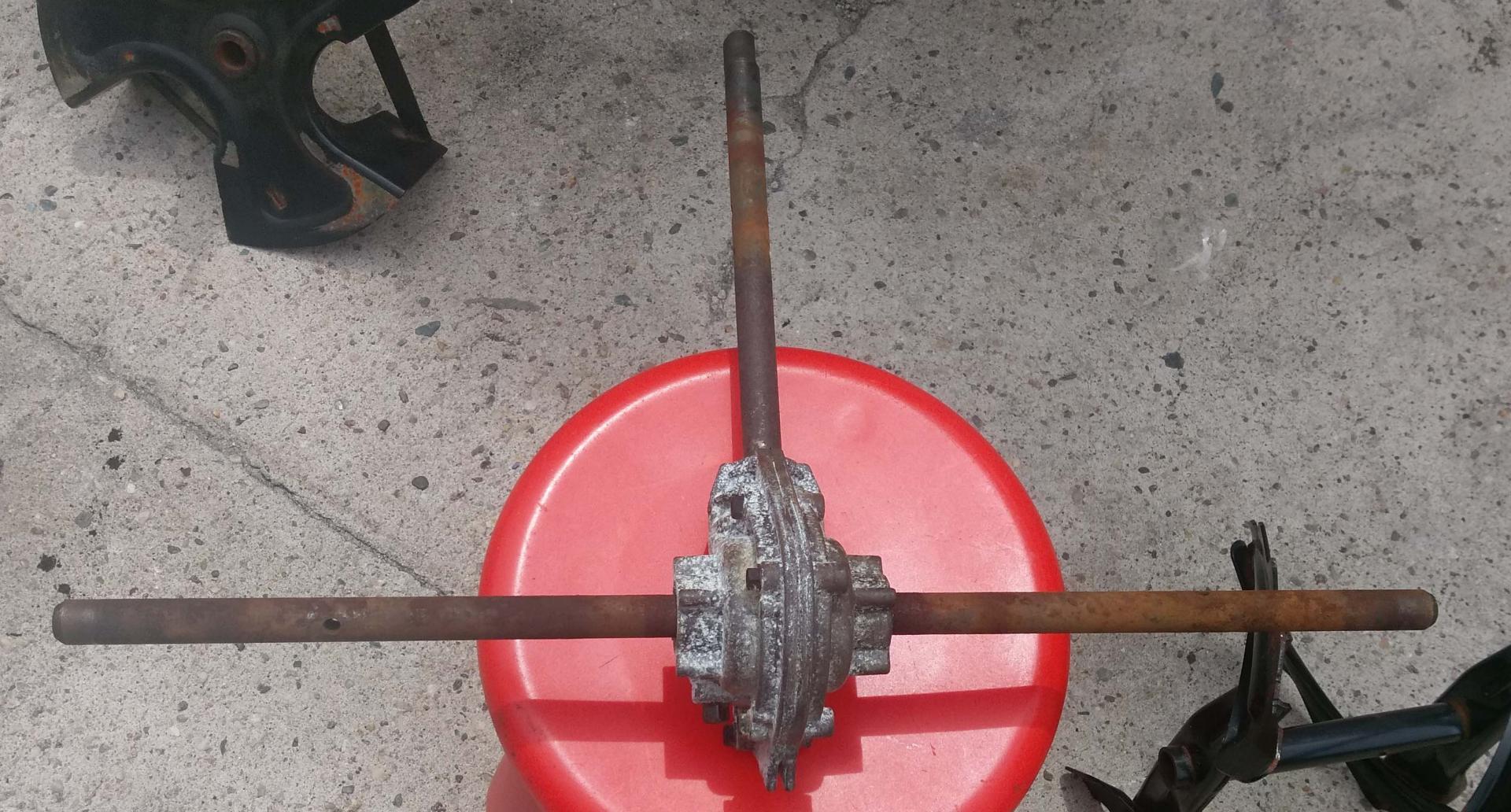 Toro Powermax Rusted shaft, impeller - add zerk fitting ?-imag0810-2.jpg
