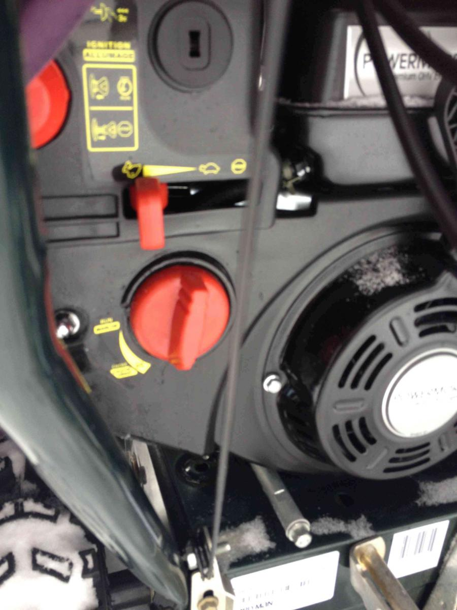 MTD/Yard Machine Choke knob not turning all the way-img_0174.jpg