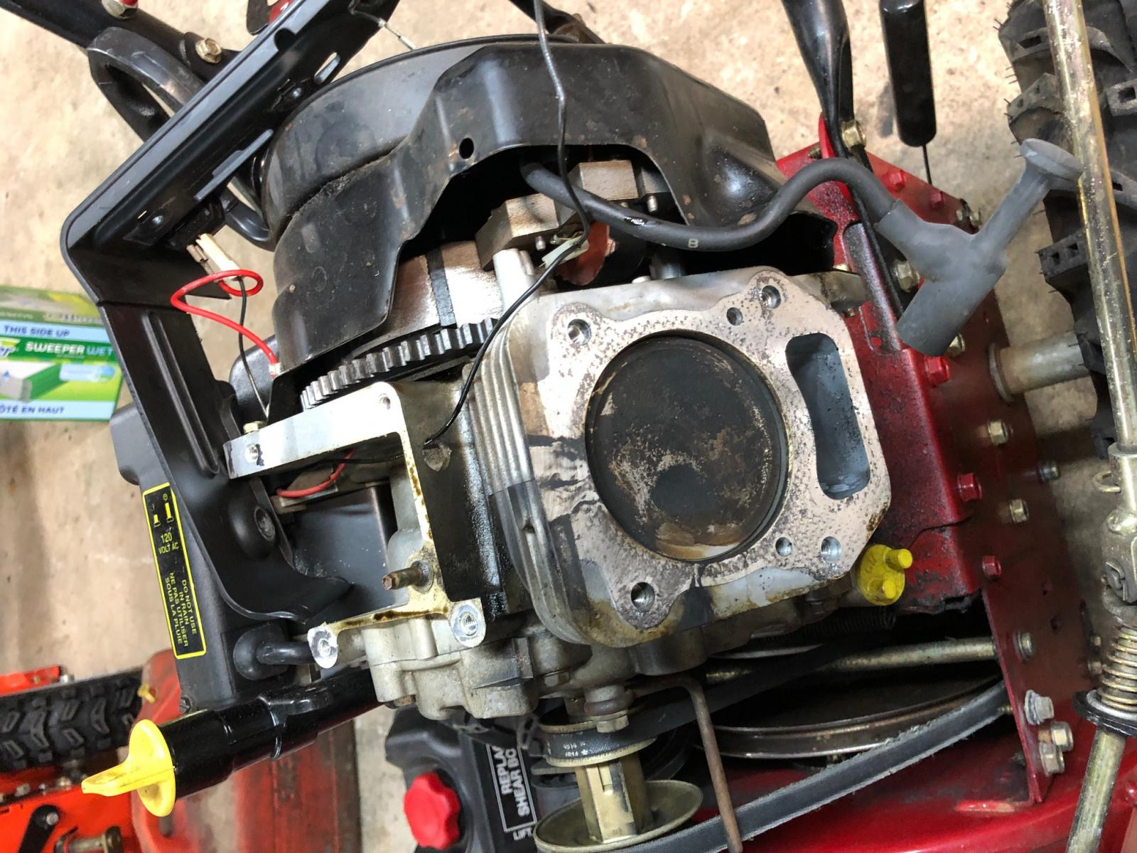 Head Gasket Replacement of an 8 5 HP OHV Briggs Engine - Snowblower