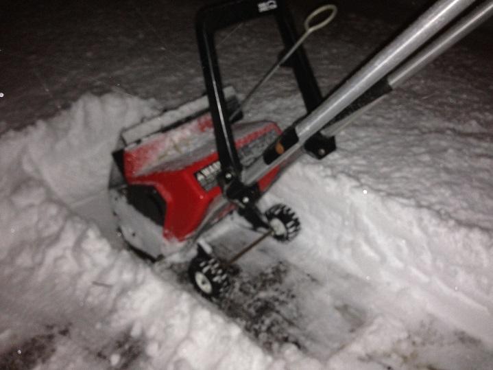 Reviving S series Toro Snow thrower 200 140 260-img_3863_zps5f8191de.jpg